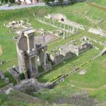 Volterra: il tour dagli Etruschi all'arte contemporanea